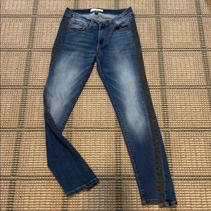 BRAND NEW FLYING MONKEY SIZE 27 JEANS